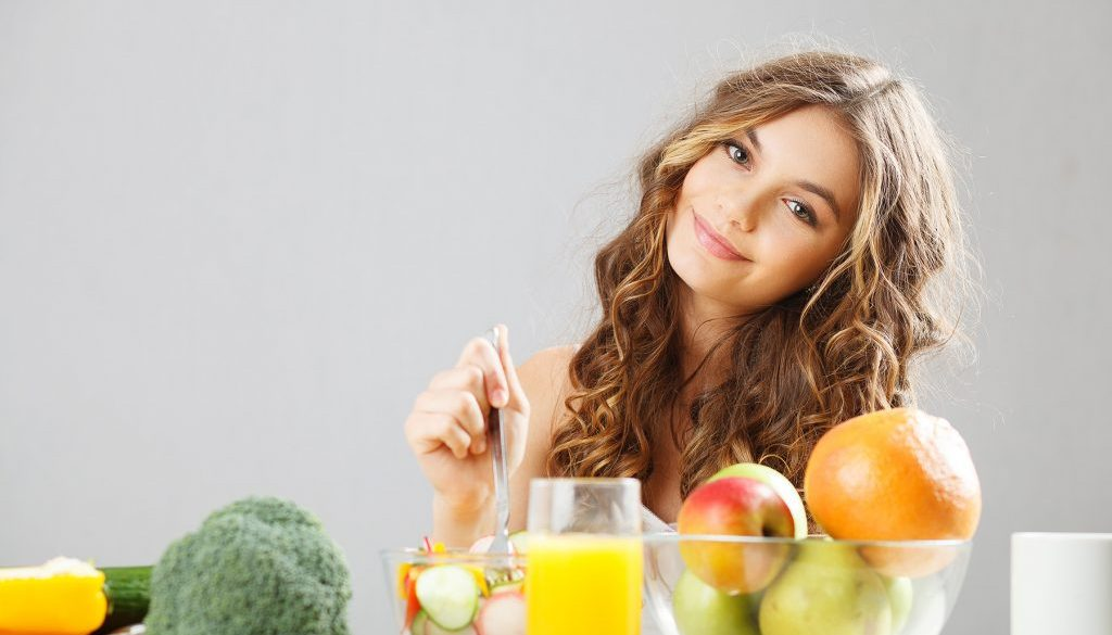 51567-the-beauty-in-front-of-fruits-and-vegetables