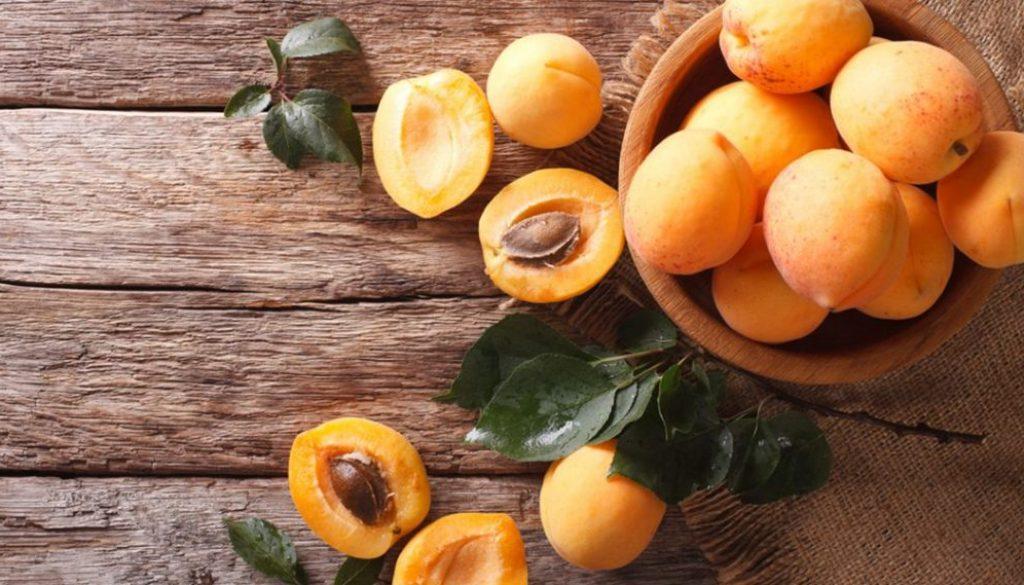 Apricots-Health-Benefits-1080x600