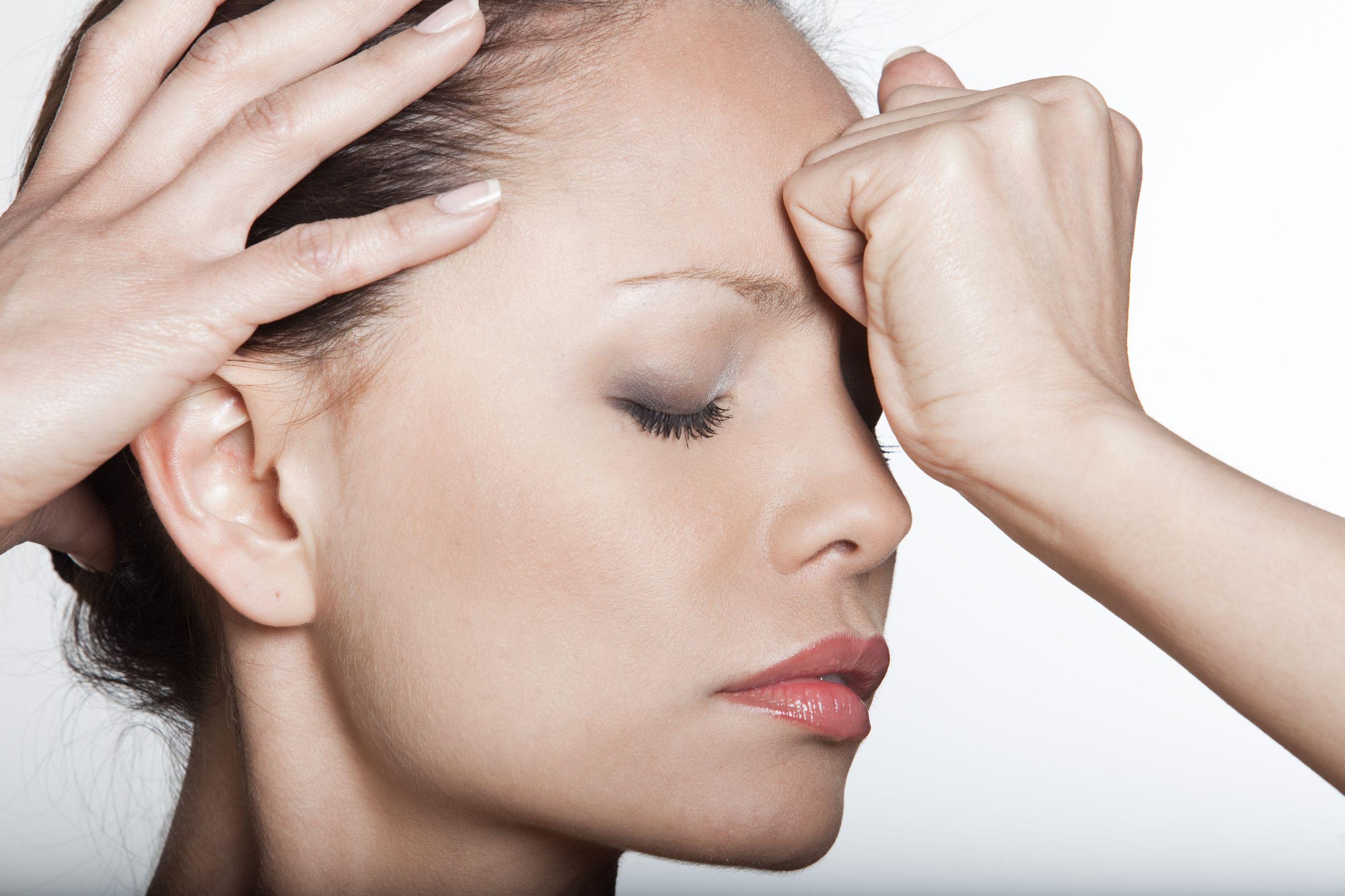 De ce apar migrenele si cum pot fi combatute